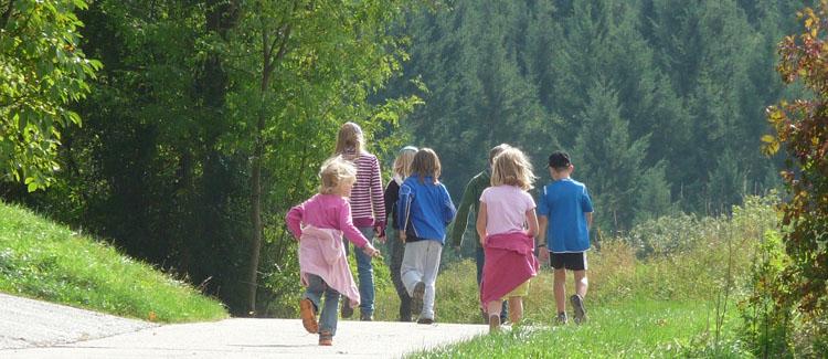 beneficios del ocio familiar en el desarrollo intelectual, social y emocional de los niños